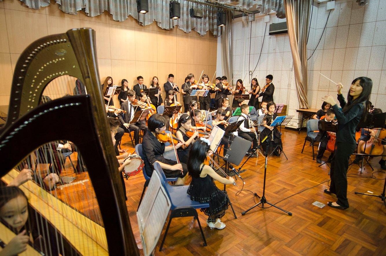{               en: 'Fine Music (Yuen Long, Shatin, Fanling, Tuen Mun)',               cn: '悅藝音樂教育 (元 朗, 沙田, 粉嶺, 屯門)'             } 2