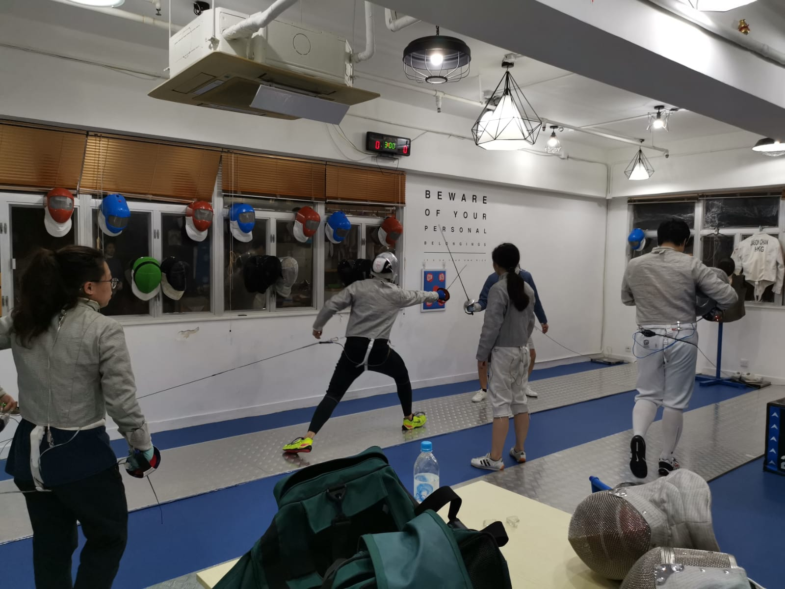 { en: 'Union Fencing Club ', cn: '劍藝會' } 2